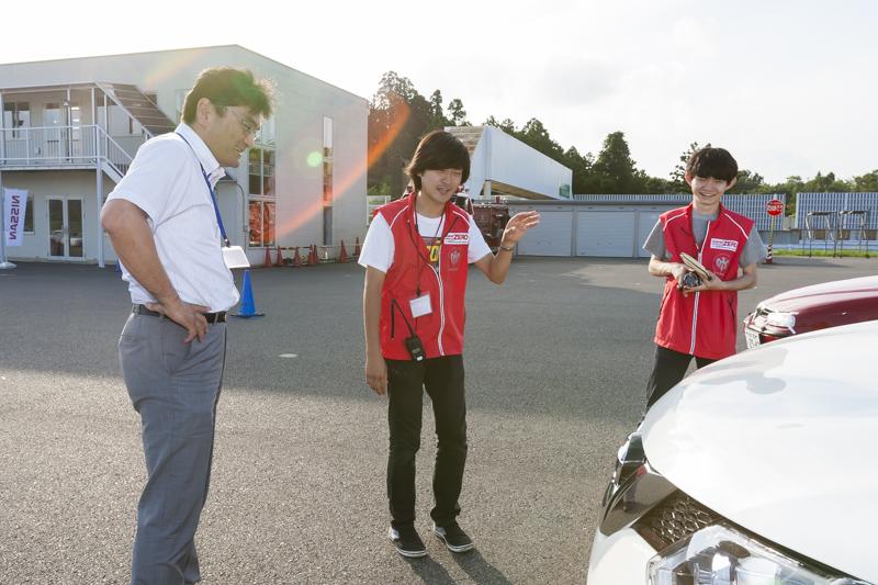 2015_09_19_東倉さんにインタビューするNCGメンバー